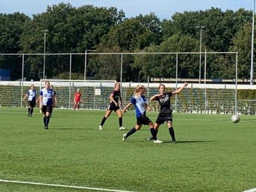 Poule winst vrouwen in KNVB beker !