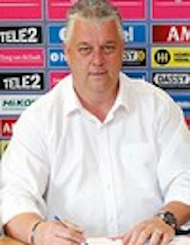 Even bellen met ... Ap Hartog, voorzitter commissie Voetbalzaken senioren