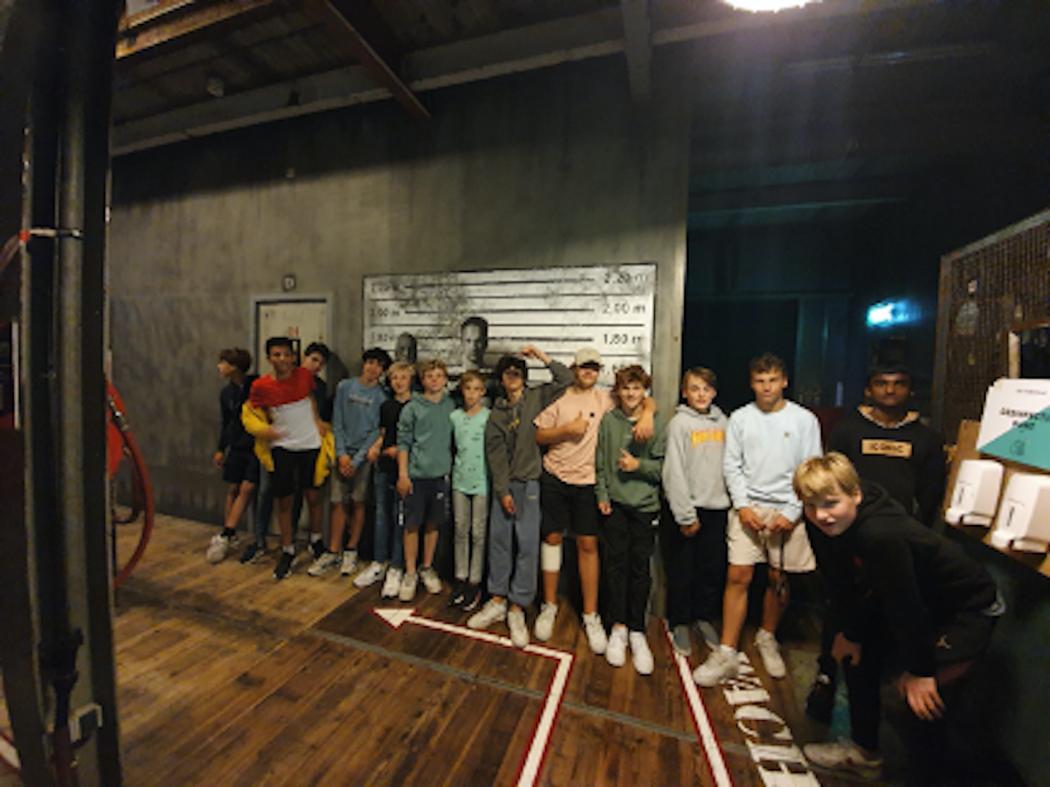 Teamuitje JO15-1