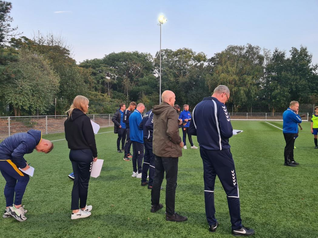 Trainers jeugdteams krijgen JVTC cursus